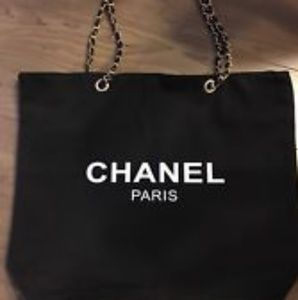 💯 Authentic Chanel VIP Tote, Siver Hardware